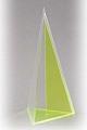3-seitige Pyramide mit senkrechtem Schnitt
