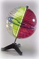 Globusmodell mit Innenhalbkreisen